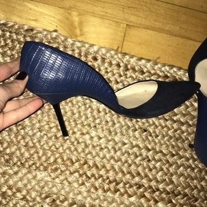 Zara Shoes - Zara navy pointy toe heels